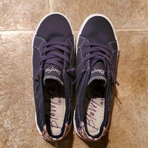 Blowfish Womens Sneakers size 9